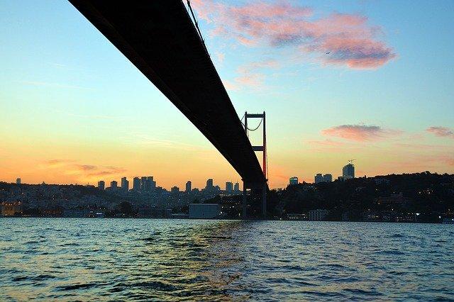 Cruzeiro no Bósforo Istanbul