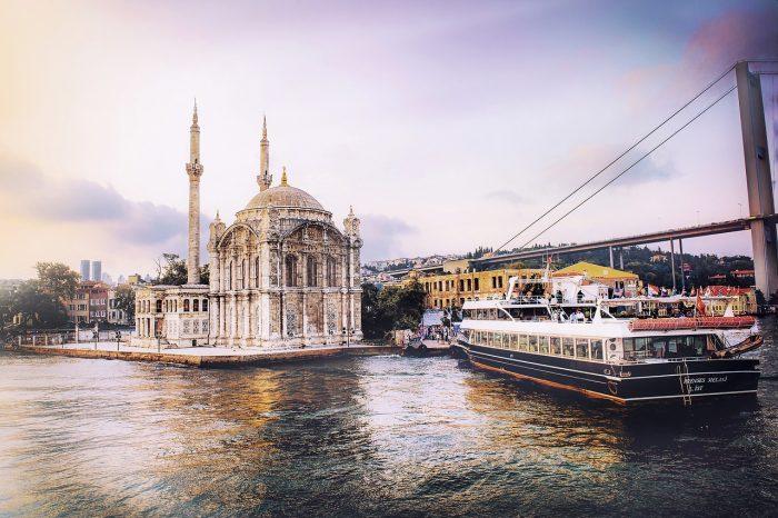 Cruzeiro no Bósforo Istambul – Meio Dia